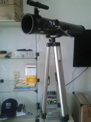Telescópio com todos os acessórios.