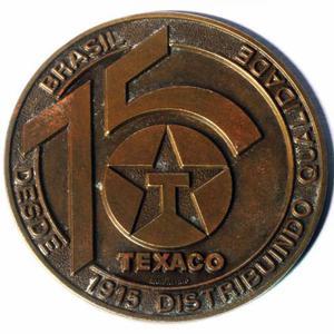 Medalha em bronze comemorativa dos 75 anos da empresa Texaco
