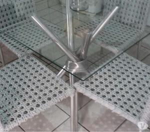 Mesa de alumínio com cadeiras de alumínio seminova