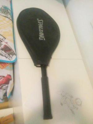 Raquete de ténis spading em ótimo estado com capa
