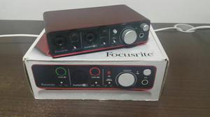 Interface de Áudio Focusrite