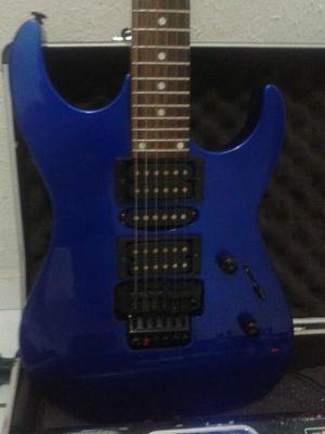 Linda guitarra em otimo estado de uso