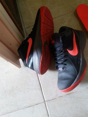 Nike Preto E Laranja nmr 38 ou 39