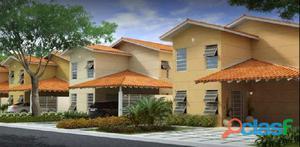 Vende ou aluga Casa Residencial Duplex no Condominio Golden