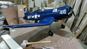 Aeromodelo Corsair, top e completo
