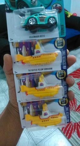 Hot Wheels Submarino Amarelo