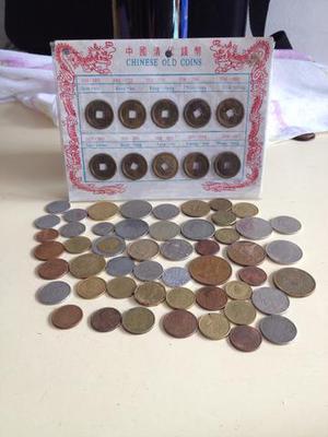 Linda coleção de moedas antigas