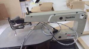Maquina serra tico tico de bancada marca Makita