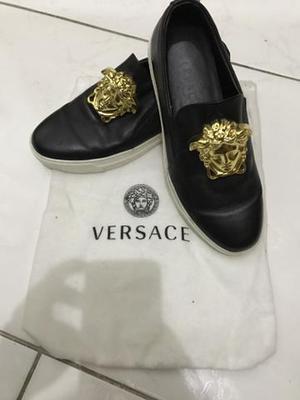 Vendo tênis da Famosa marca Italiana Versace