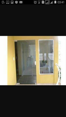 Box de vidro m2,grátis 2 porta shampoo