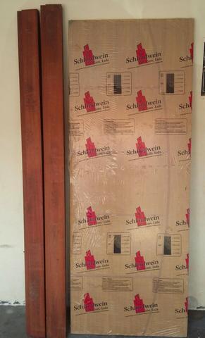 Vendo 04 portas de madeira