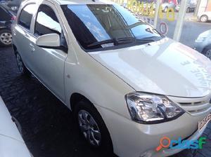 Toyota Etios X 1.3 2015 / 2015 Branco Flex 4P Manual