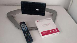 Controle Remoto, Quatro óculos 3D e base da Smart TV LG