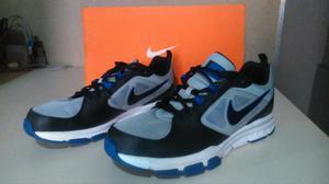 Tênis Nike Flex Train Aver