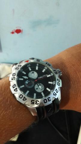Vendo ou Troco relógio NauTica 600