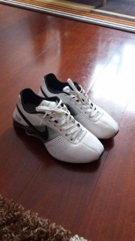 Nike Shox Deliver Tamanho 40