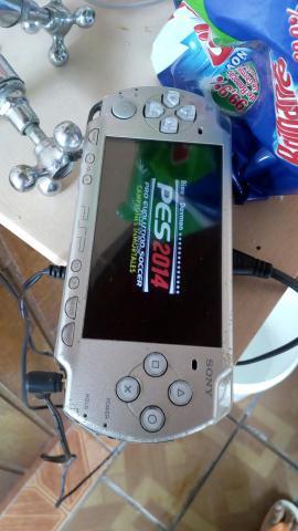 Psp bateria viciada troco por jogos de ps4