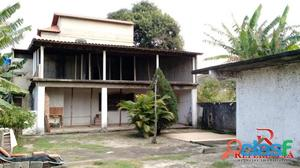 Casa em Itaipuaçu com 2 quartos mais casa de hóspedes