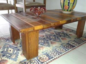 Rack central em madera de lei