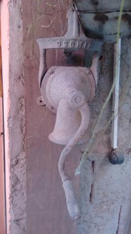 Moedor de cafe antigo