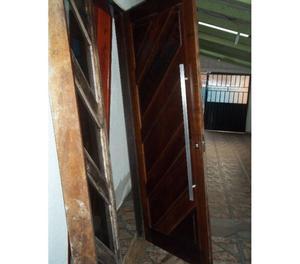 Porta de imbuia com caixilho com vidro