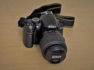 Câmera Nikon D3000 + Lente 18-55mm + Cartão 2 GB + Bolsa