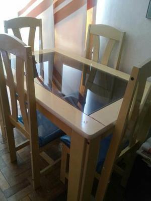 Mesa com 4 cadeiras +estante