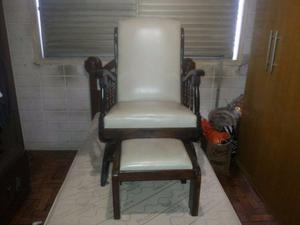 Cadeira de Balanço Com Apoiador de Pé