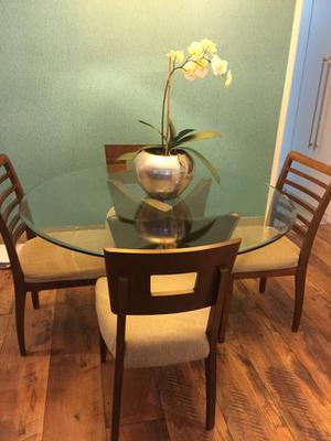 Mesa de jantar com 4 cadeiras (Copacabana)