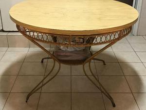 Mesa redonda em madeira estrutura em metal medidas 1.10 x 70