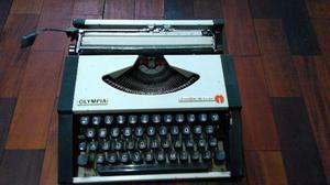 Máquina de escrever Olympia traveler de luxe