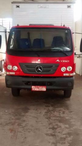Caminhão Mercedes-Benz accelo ano p -