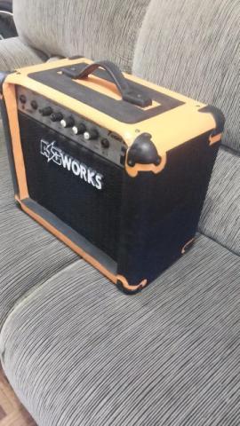 Cubo de guitarra AC Works turbo drive com distorção 20