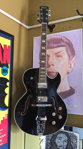 Guitarra semi acústica hofma captação tagima blues ampli