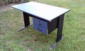 Mesa para escritório com gaveteiro