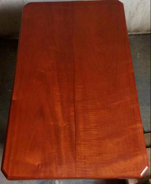 Mesinha de centro em madeira de lei