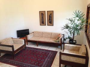 Poltronas e Sofá de madeira maciça