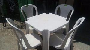 Promoção de mesa e cadeira sem braço