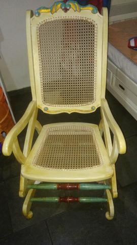 Vendo cadeira de balanço vintage
