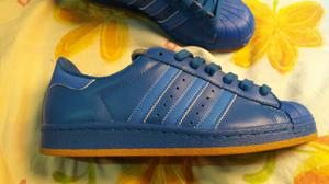 Tenis adidas superstar azul