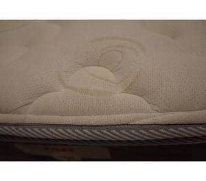 Cama box+ótimo colchão+4 travesseiros menos de 2 anos de