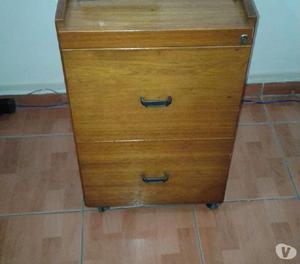 Vendo Porta arquivo de madeira com rodas 02 gavetas
