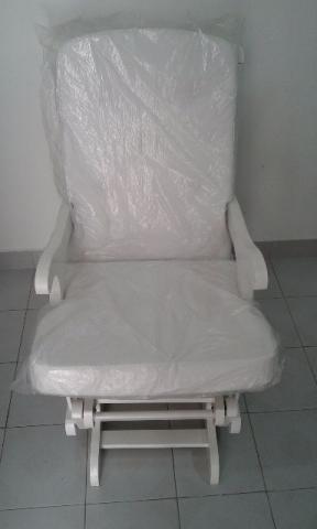 Cadeira de balanço para amamentar/descansar