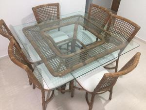 MESA em Rathan com cadeiras para 6 lugares, pé central