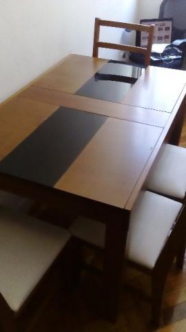 Mesa de jantar extensível / retrátil + 4 cadeiras