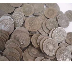 Vendo 1 Kg de moedas antigas anteriores ao ano . R$200