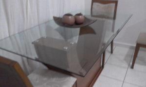 Conjunto Mesa de jantar vidro com 4 cadeiras de madeira