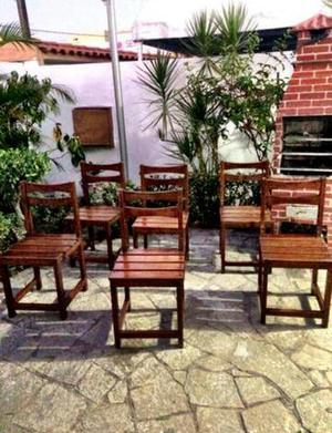 Conjunto de cadeiras em madeira