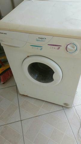 Máquina lava roupa com entrega