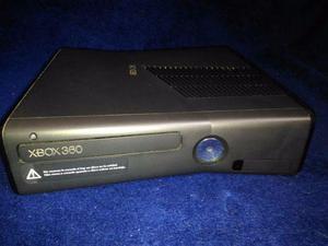 Xbox gb Com Dois Jogos em ótimo estado